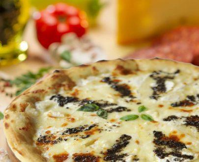 Pizza Camembert și trufe - mozzarella, brânză camembert, gran cucina, parmezan, trufe