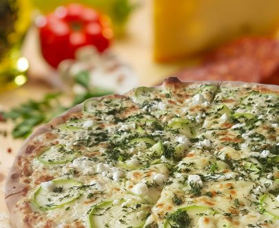 Pizza con zucchini - mozzarella, brânză feta, parmezan, gran cucina, dovlecei, mărar