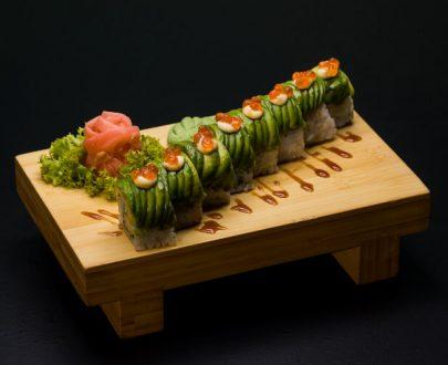 Caterpillar Rolls Wrap 8 buc - orez sushi, creveți tempura, butterfish, sos teriyaki, avocado